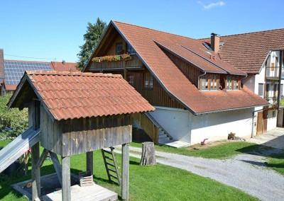 Haus und Baumhaus - Obsthof Mainberger